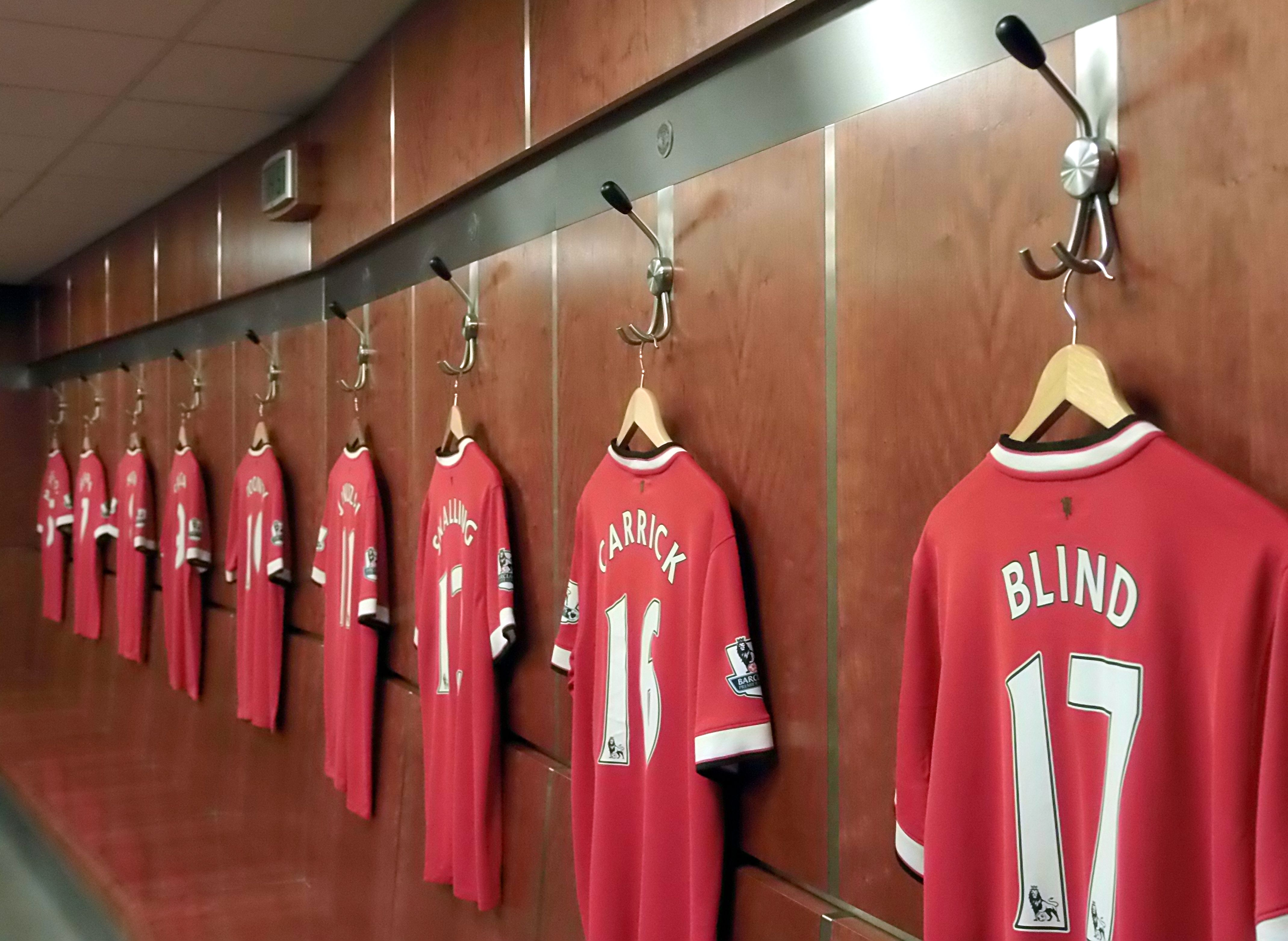 Players Changing Rooms at Manchester United in 2020 ...