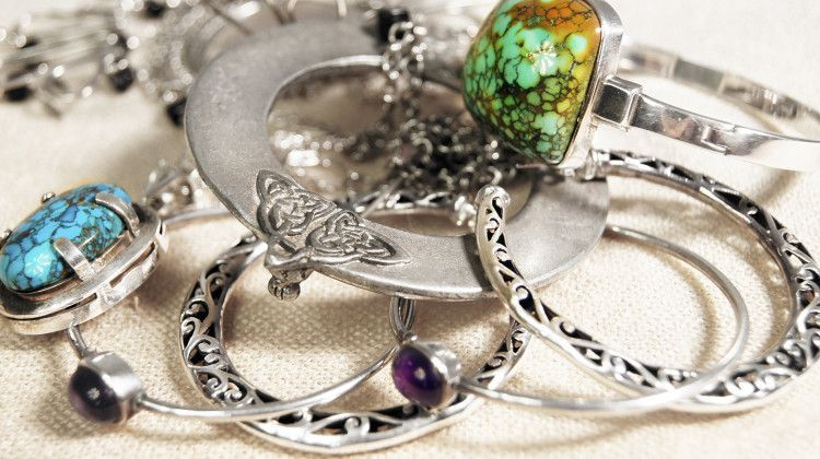 This just in you can clean your own jewelry at home your own darn this just in you can clean your own jewelry at home your own darn self solutioingenieria Images