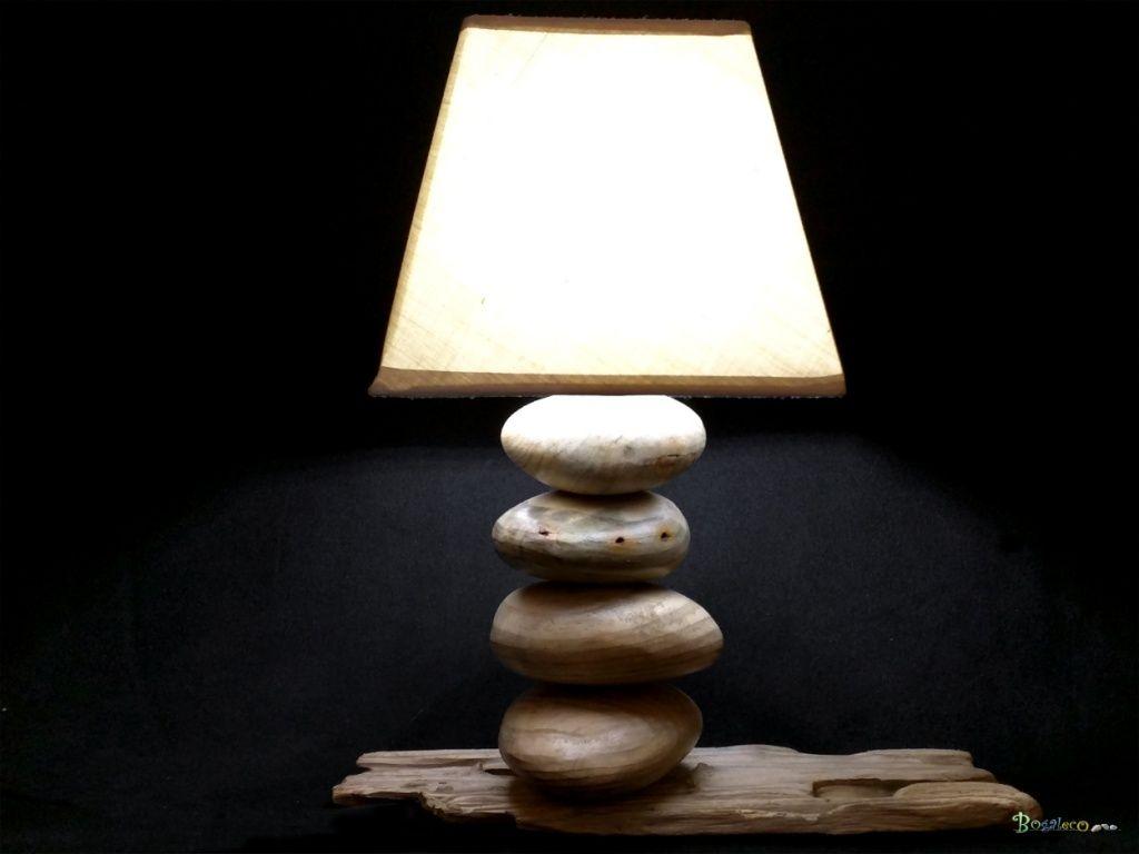 Lampe sur galet de bois apercu n 7 jolie petite lampe de for Traitement bois flotte