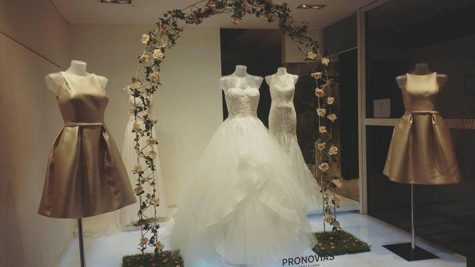 Sposa Collezioni Abiti Da Sposa E Cerimonia 2020 Daniela Sposa Mirano Abiti Da Sposa Abito Per Damigella Sposa
