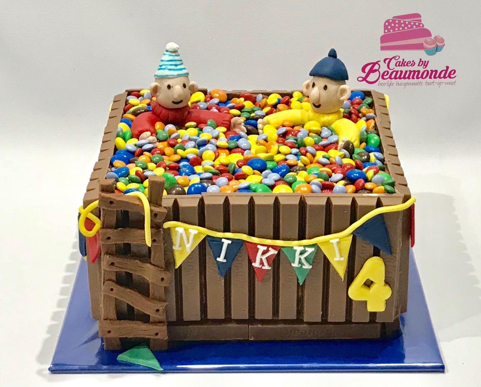 Buurman En Buurman In Een Kitkat M M S Bad Horse Cake Ideas Horse Cake Cake