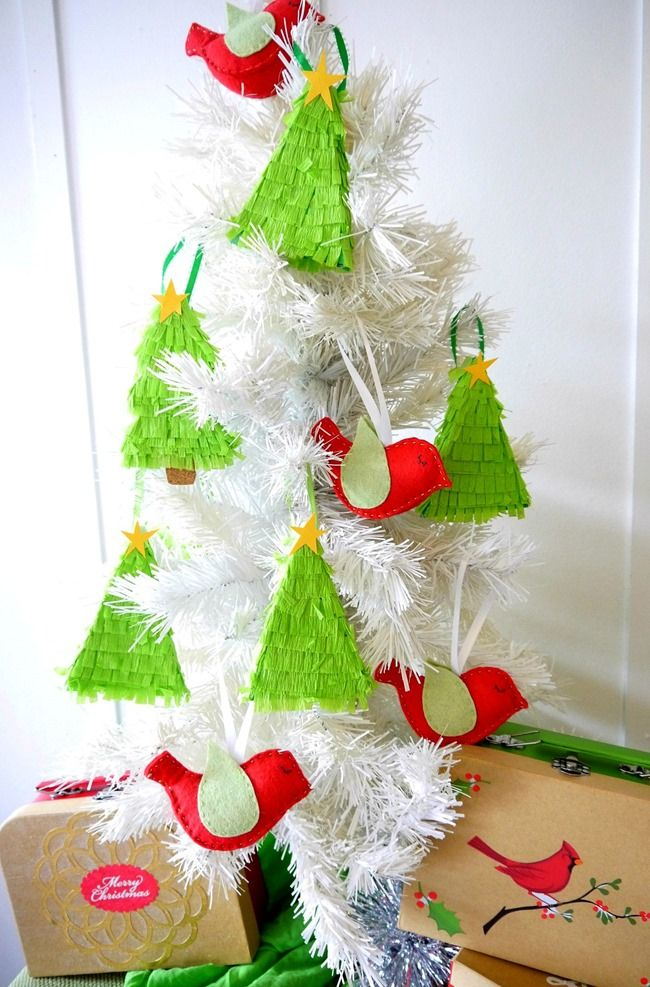 Christmas Tree Pinata Part - 25: Christmas Tree Pinata Ornaments [Holiday Tutorial] - Everything Etsy