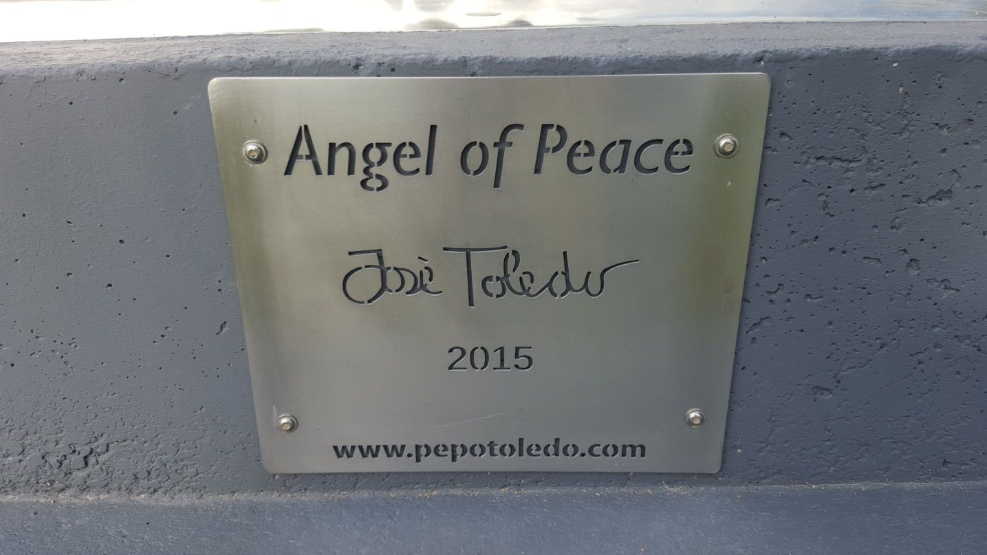 Angel of Peace by Pepo Toledo, 2015. Sculpture Badge.
