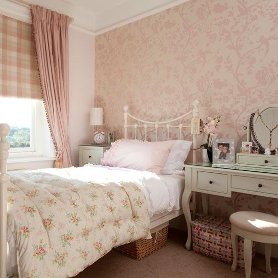 Step Inside A Bold And Striking Period Home In Hertfordshire - Laura ashley bedroom