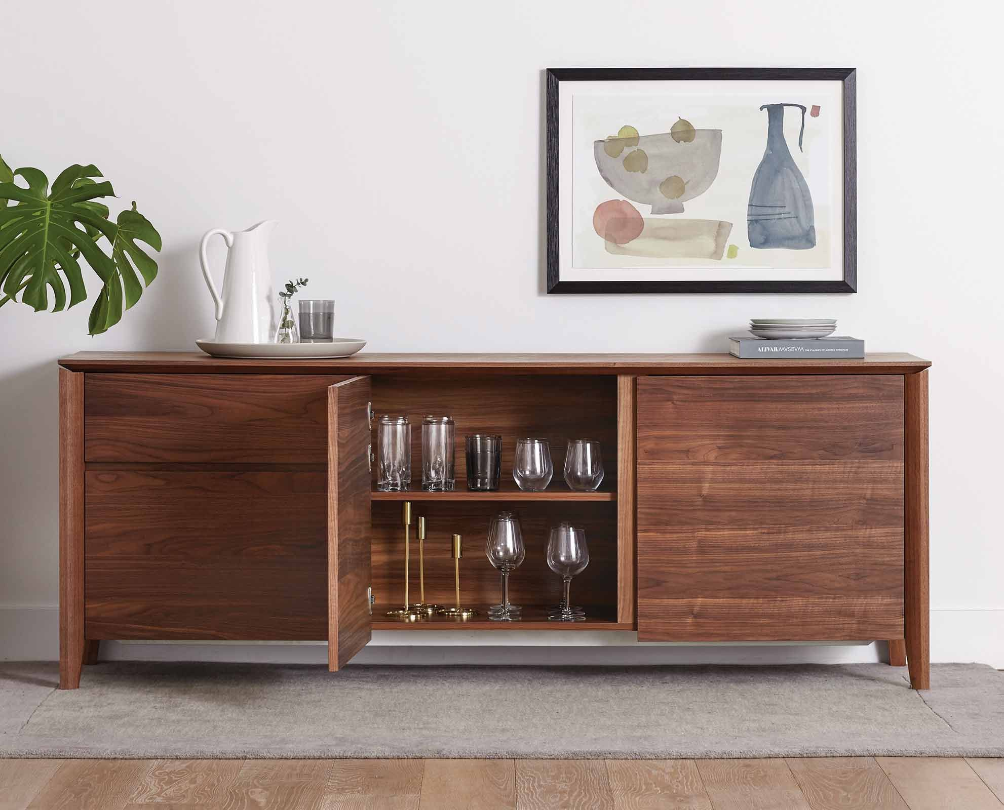 Elongate your dining room with the Vidare