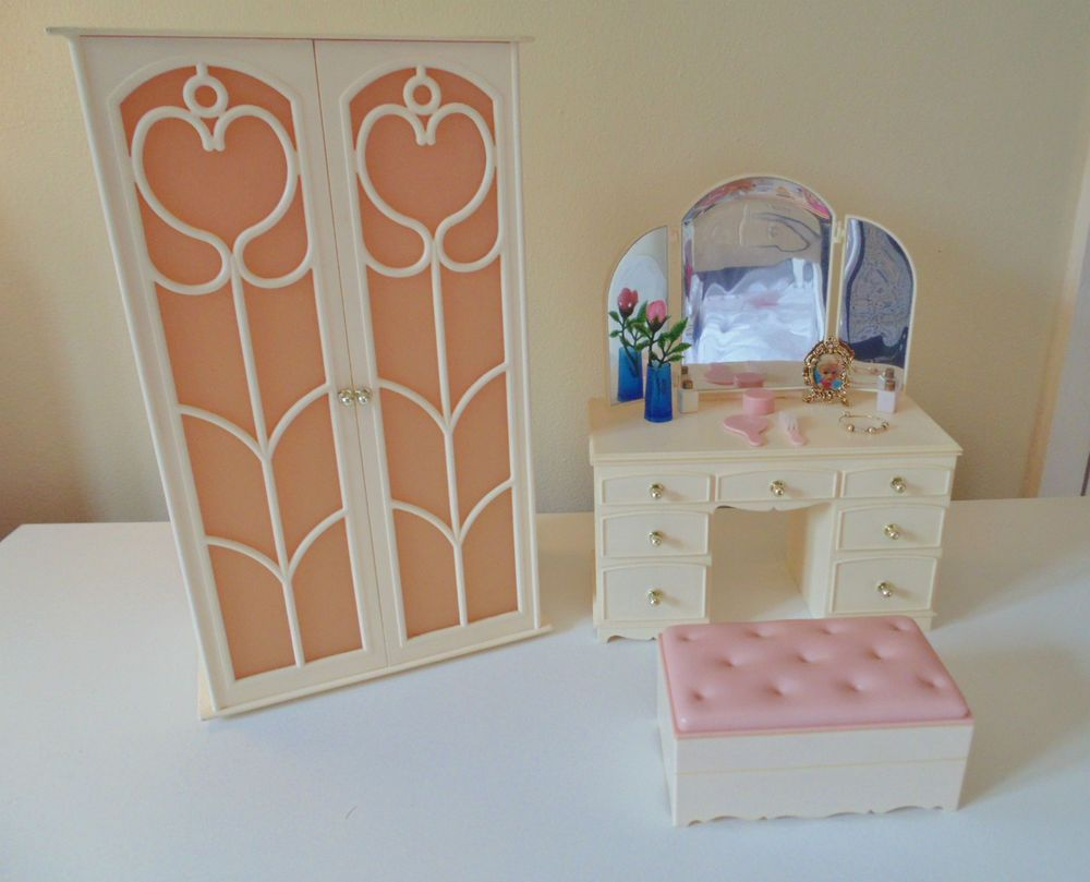 Vintage Pedigree Sindy dolls house Dressing table and Wardrobe