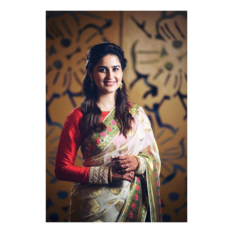 "Vaidehi Parashurami on Instagram: ""T H E D A Y ! Day 3 - Wedding 📸 @janaigosavi 💇🏻♀️ @nilampatel12 💄 @vinayak_makeup . . . . . . . . #weddingdiaries #weddingoutfits #saree…"""