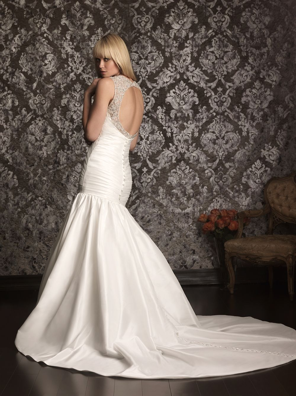 Allure Bridals » Style: 9020 » http://www.allurebridals.com/products/9020