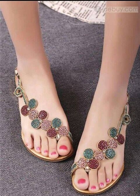 466c9474d Cute with nice sparkle embellishment.Amazing Shining Flat Sandals with  Rhinestone Flower