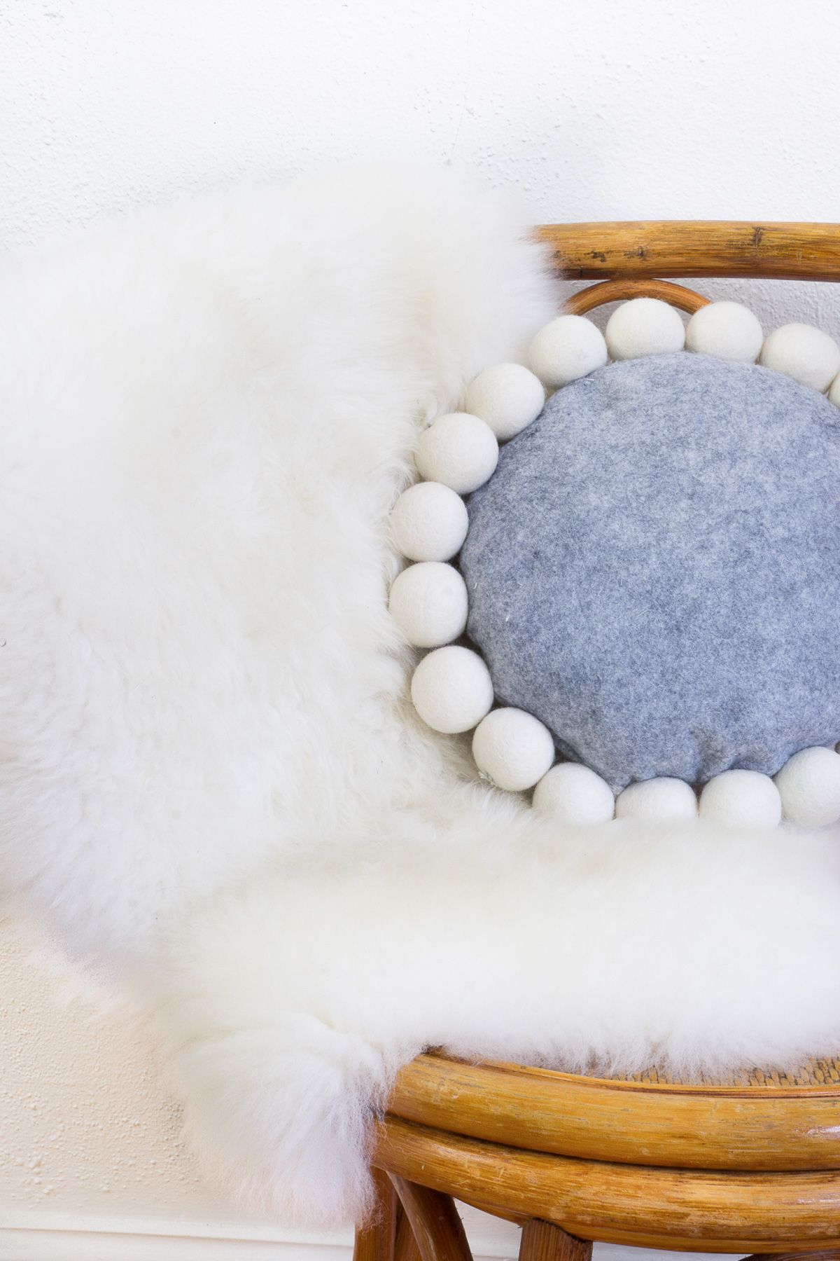 DIY Snowball Pillow   Handicraft Ideas 4 / Käsityöideoita 4 ...