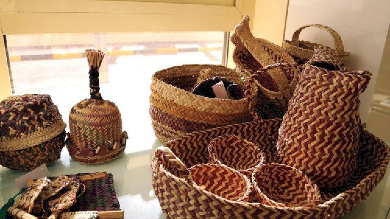 أحاديث تحث على العمل اليدوي Wicker Decorative Wicker Basket Wicker Baskets