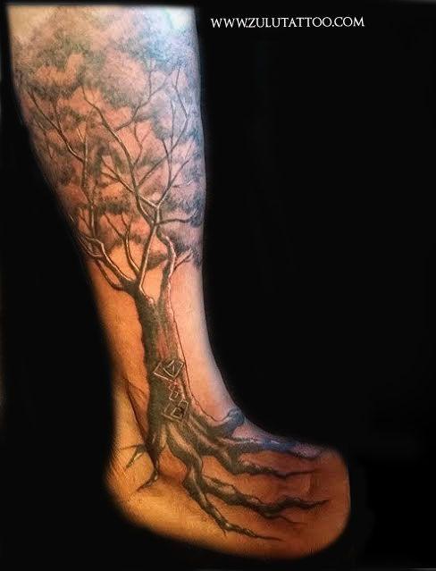 First Session Tree To Roots Leg To Foot Tattoo By Amy Nicoletto At Zulu Tattoo La Foot Tattoo Tattoos Foot Tattoos