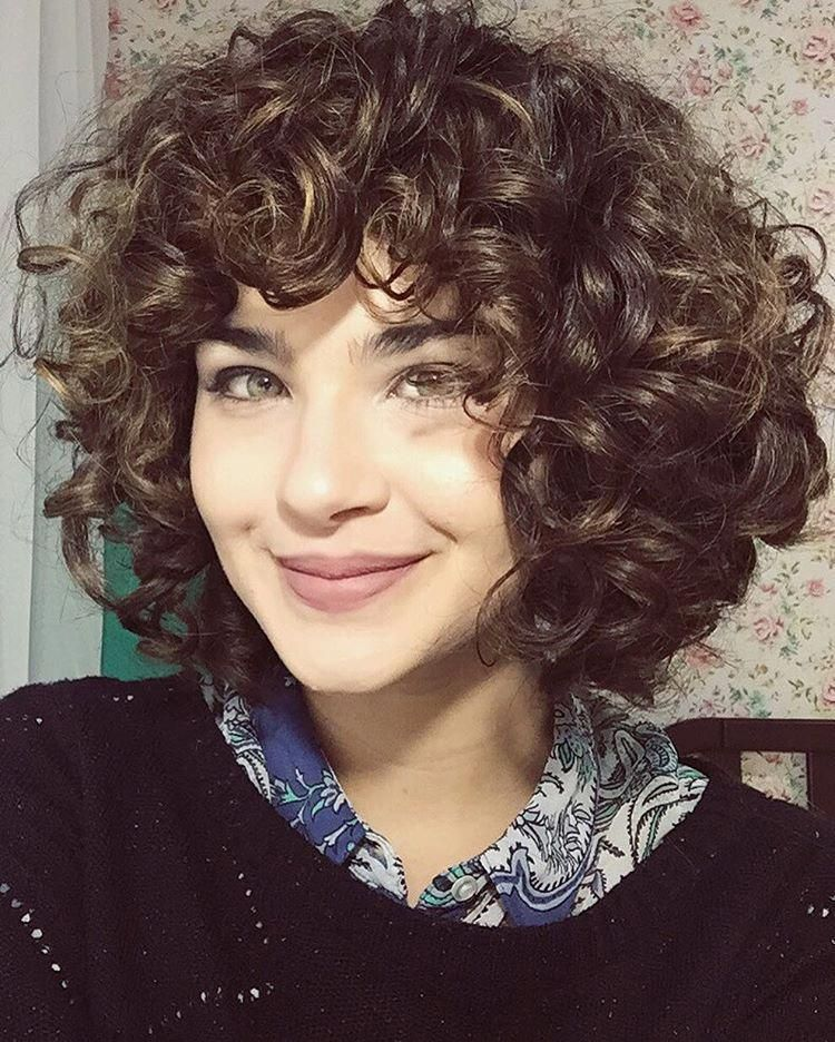 Short Layered Curly Hair With Bangs Curlyhairwithbangs Short Layered Curly Hair Curly Hair Styles Naturally Curly Hair Styles