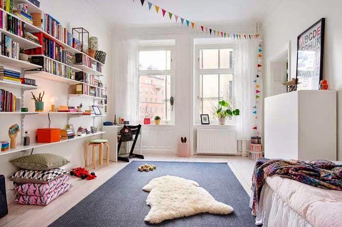Keltainen talo rannalla: Kolme kotia Ruotsista