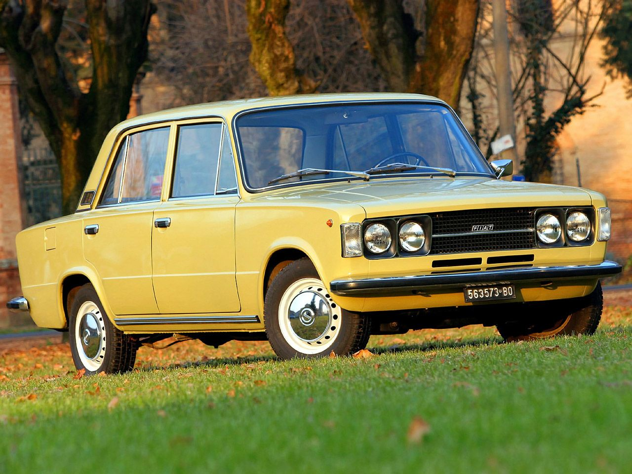 fiat 124 t yellow car yellow cars pinterest fiat cars and fiat abarth. Black Bedroom Furniture Sets. Home Design Ideas