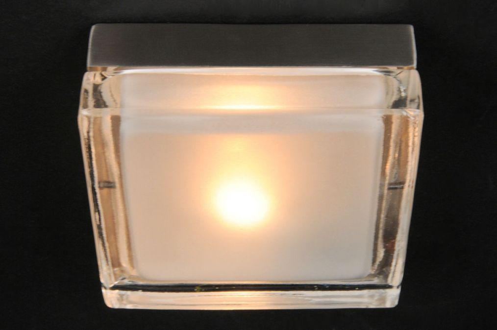 lampes de salle de bains chambre coucher lampes de salon cuisine plafonniers salle de. Black Bedroom Furniture Sets. Home Design Ideas
