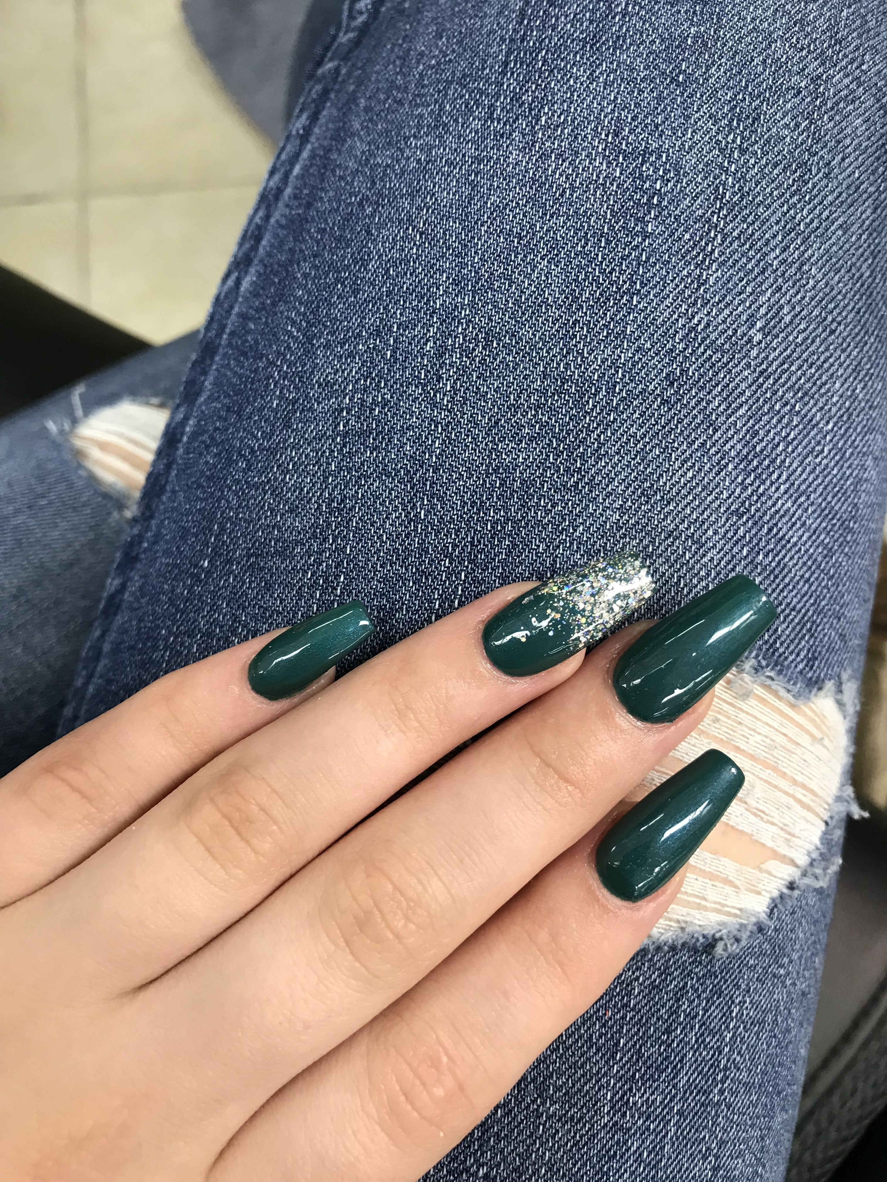 Coffin Acrylic Nails Emerald Green With Sparkle Green Acrylic Nails Green Nail Designs Gold Acrylic Nails