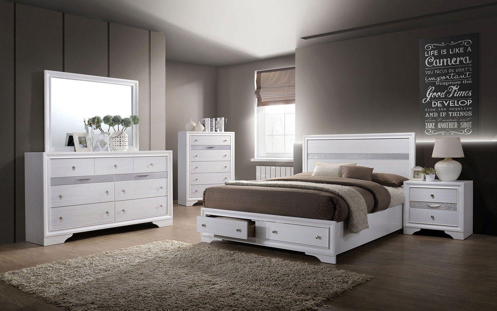 Furniture Of America Chrissy White Contemporary / Silver