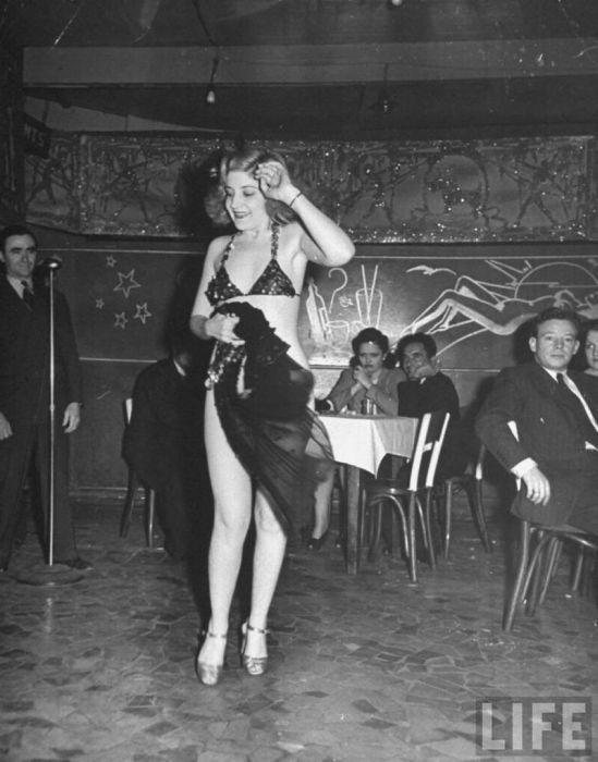 Burlesque strip clubs