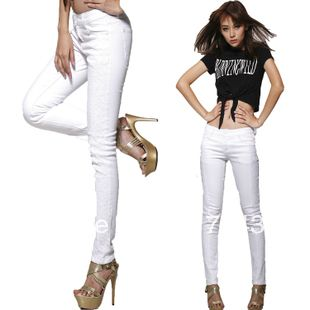 White pants for women are a great accessory that can be utilized ...