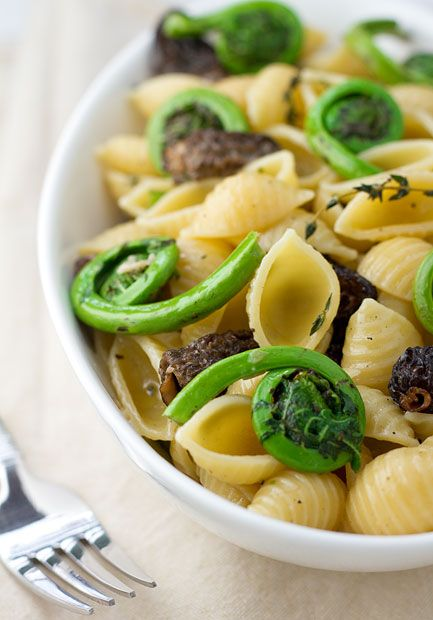 13 Ways To Discover Morel Mushrooms Vegetarian Recipes Mushroom Recipes Stuffed Mushrooms Asparagus mushroom leek spring pasta