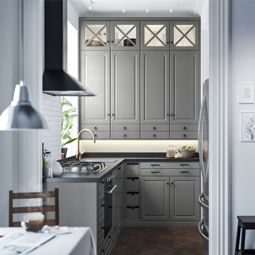It Is In The Details Same Bodbyn Grey Kitchen But Different We Know That The Crafted Details Are Making A Di Ikea Kuche Landhaus Kuchendesign Kuchenplanung