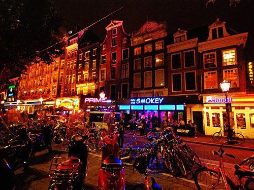 Rembrandtplein Amsterdam. Rembrandtplein Nachtleven en Uitgaan ...