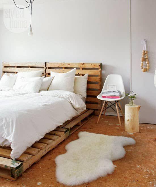Sencilla cama de palets con cabecero | Muebles en estibas ...