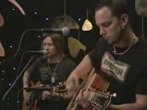 Alter Bridge Performed This Beautiful Ballad Off Their Debut Album