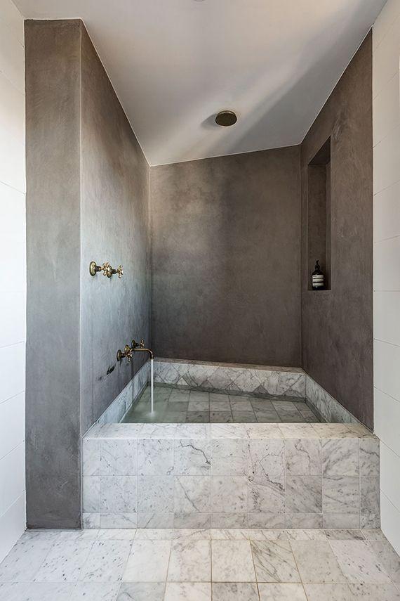 The Weekend Built In Bathtub Marble Bathtub Tropical Bathroom