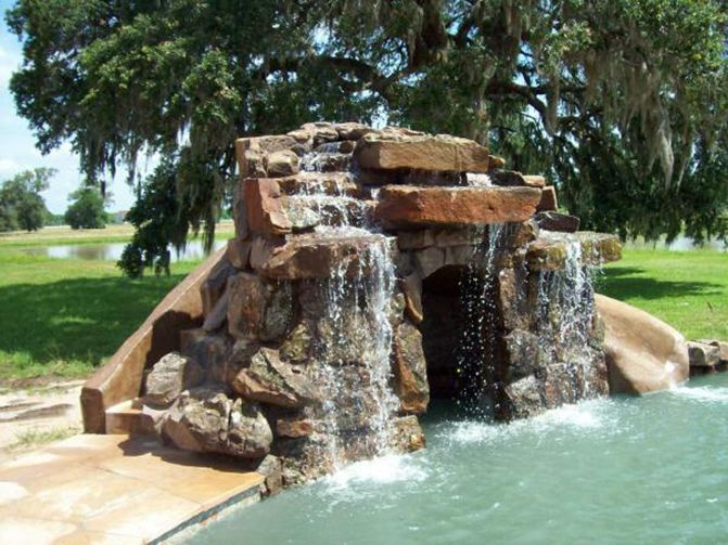 Houston Pools With Natural Rock Walterfalls