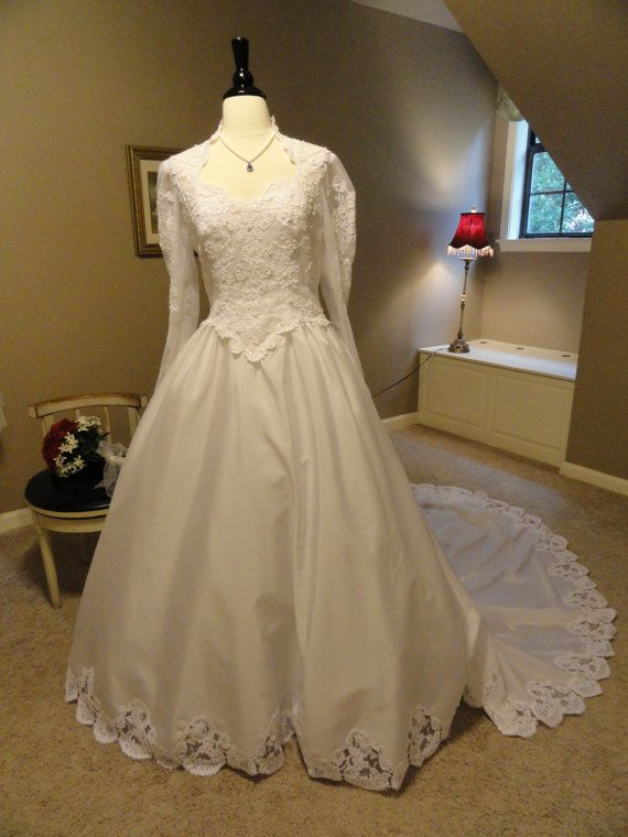 House Of Bianchi 1980s Wedding Dress With Lace By Thelastcurtsy 175 00 1980s Wedding Dress Wedding Dresses Lace Wedding Dresses