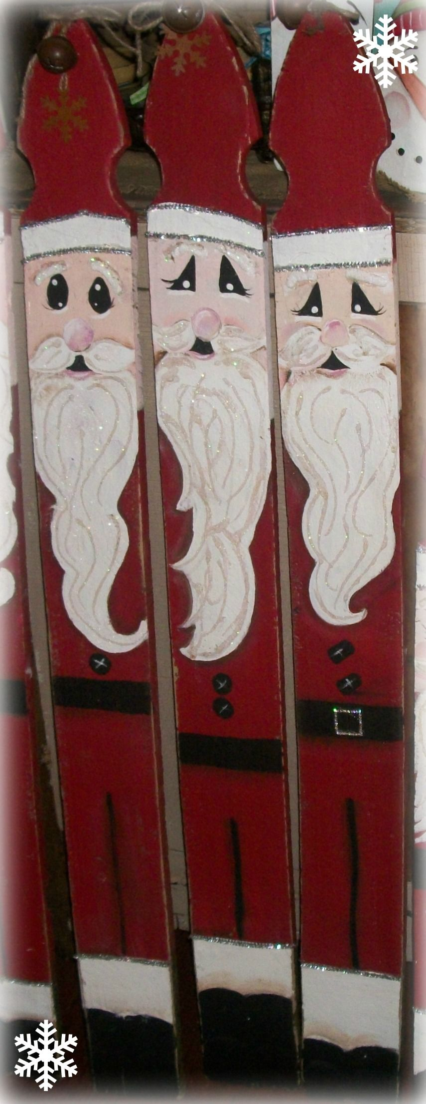 Hand painted picket fence santa claus for Fence ornaments ideas