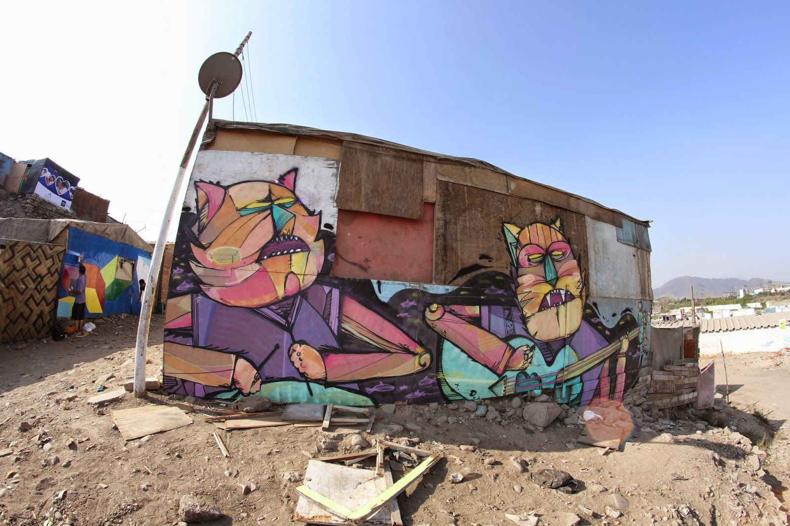 Seimiek is currently cruising through the city of Lima in Peru where he visited the favela of Cantagallo to work on a new piece.