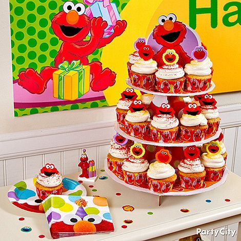 Decorate And Display Cupcakes With The Elmo Cupcake Kit Which