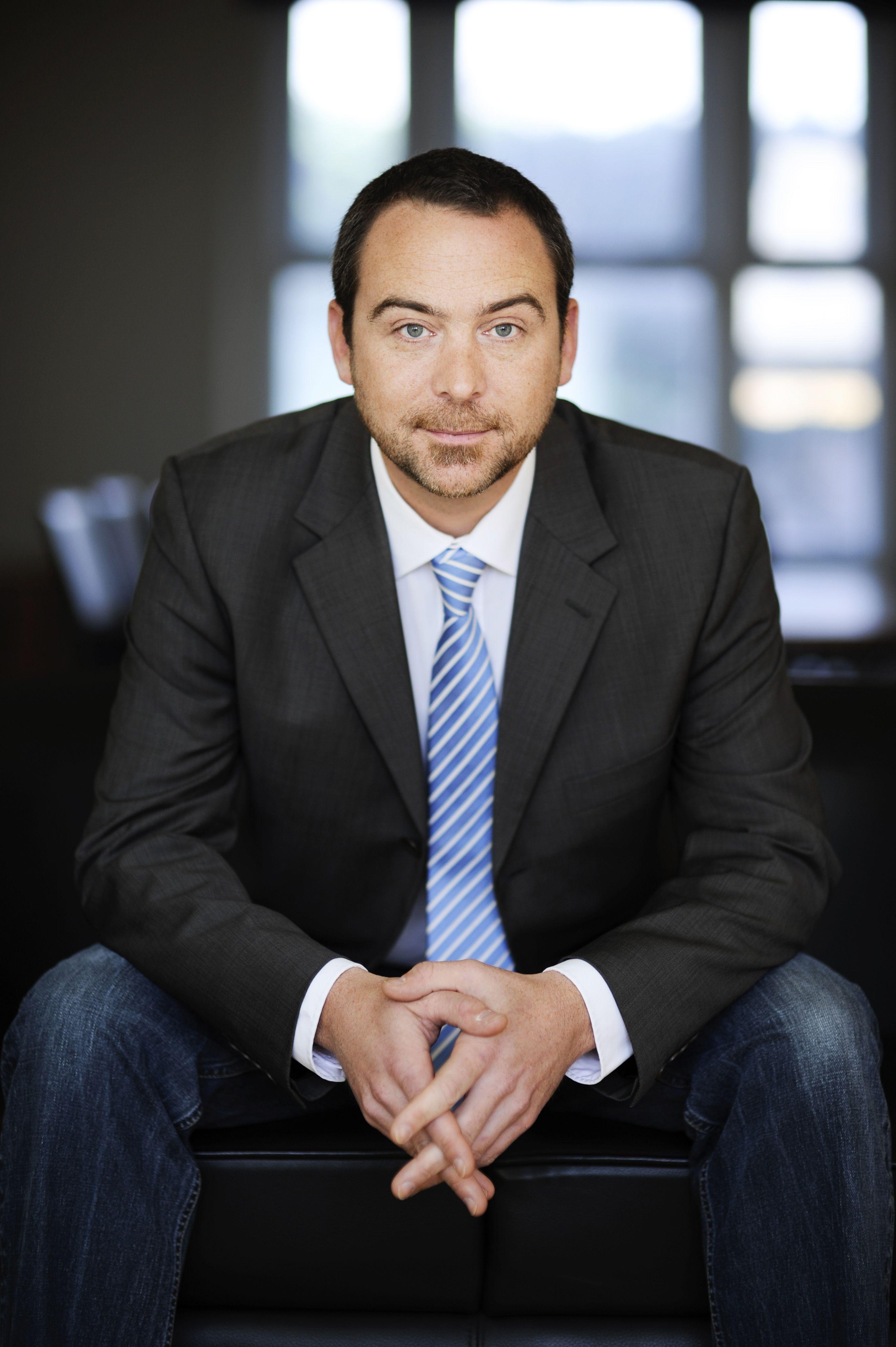 50 Professional Poses For Men Ideas Poses For Men Business Portrait Corporate Portrait