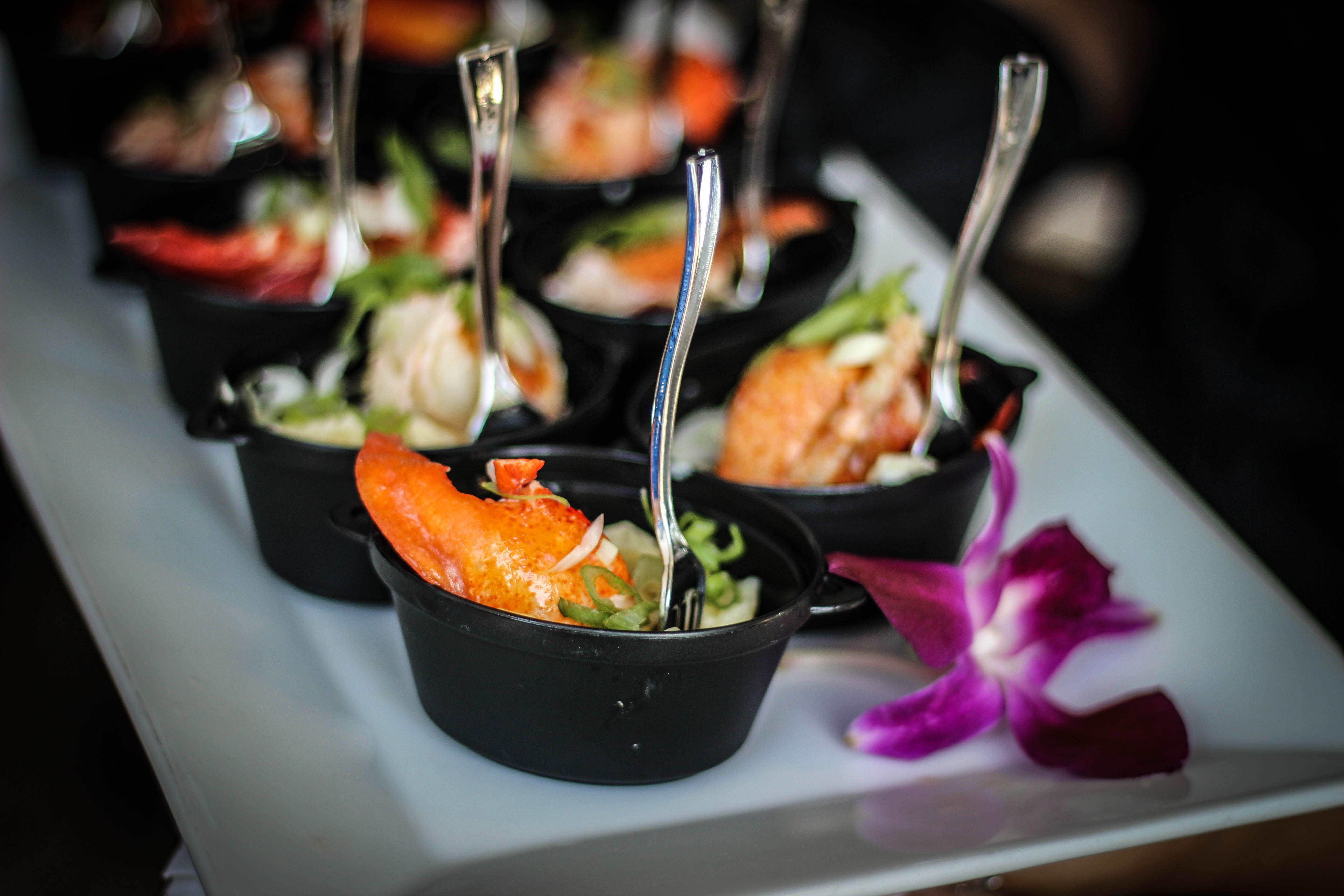 Lobster Mac N Cheese In Mini Black Kettles Mac Mini Lobster Mac Lobster Mac N Cheese