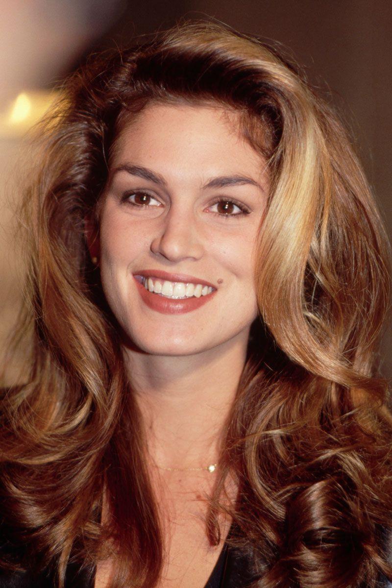 CINDY CRAWFORD Vogue 90s hairstyles, Wedding hair