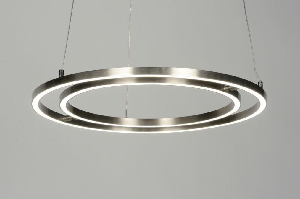 Spectaculair Model Hanglamp Voorzien Van Led Deze Hanglamp Valt Direct Op Door Zijn Schitterende Vormgeving Het Stalen Armatuur B Hanglamp Lampen Verlichting