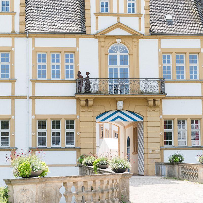 Standesamt Owl Paderborn Schloss Eingang Standesamt Owl Paderbirn