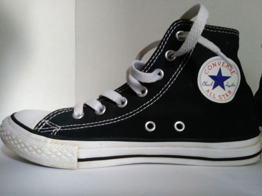 fc267401816e Converse High Top Sneakers Chuck Taylor All Stars Youth Sneaker Size 2   Converse  Athletic