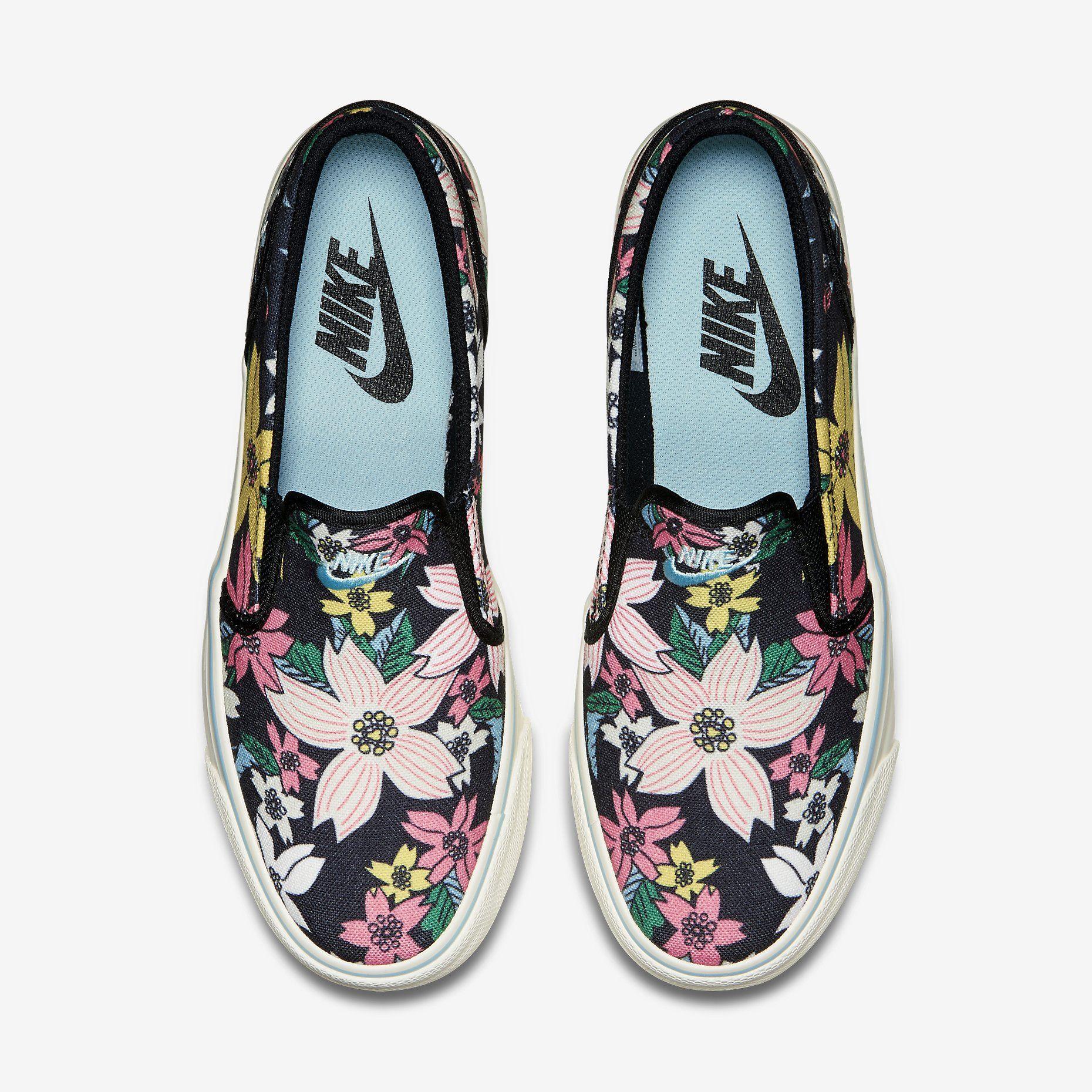 61378c4cf77f ... Roshe Run Womens Dark Blue White Mesh shoes. Nike Toki Slip-On Print  Canvas Women s Shoe. Nike Store
