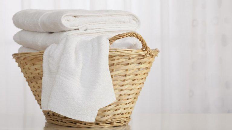 تعر ف على تفسير الملابس البيضاء في المنام للمتزوجة موقع مصري In 2021 Wicker Laundry Basket Decorative Wicker Basket Laundry