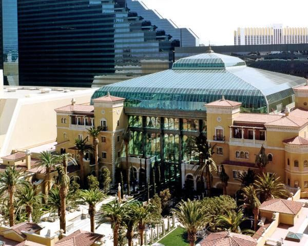 Hotels of the rich and famous mansion at mgm grand las for Mansions for sale las vegas