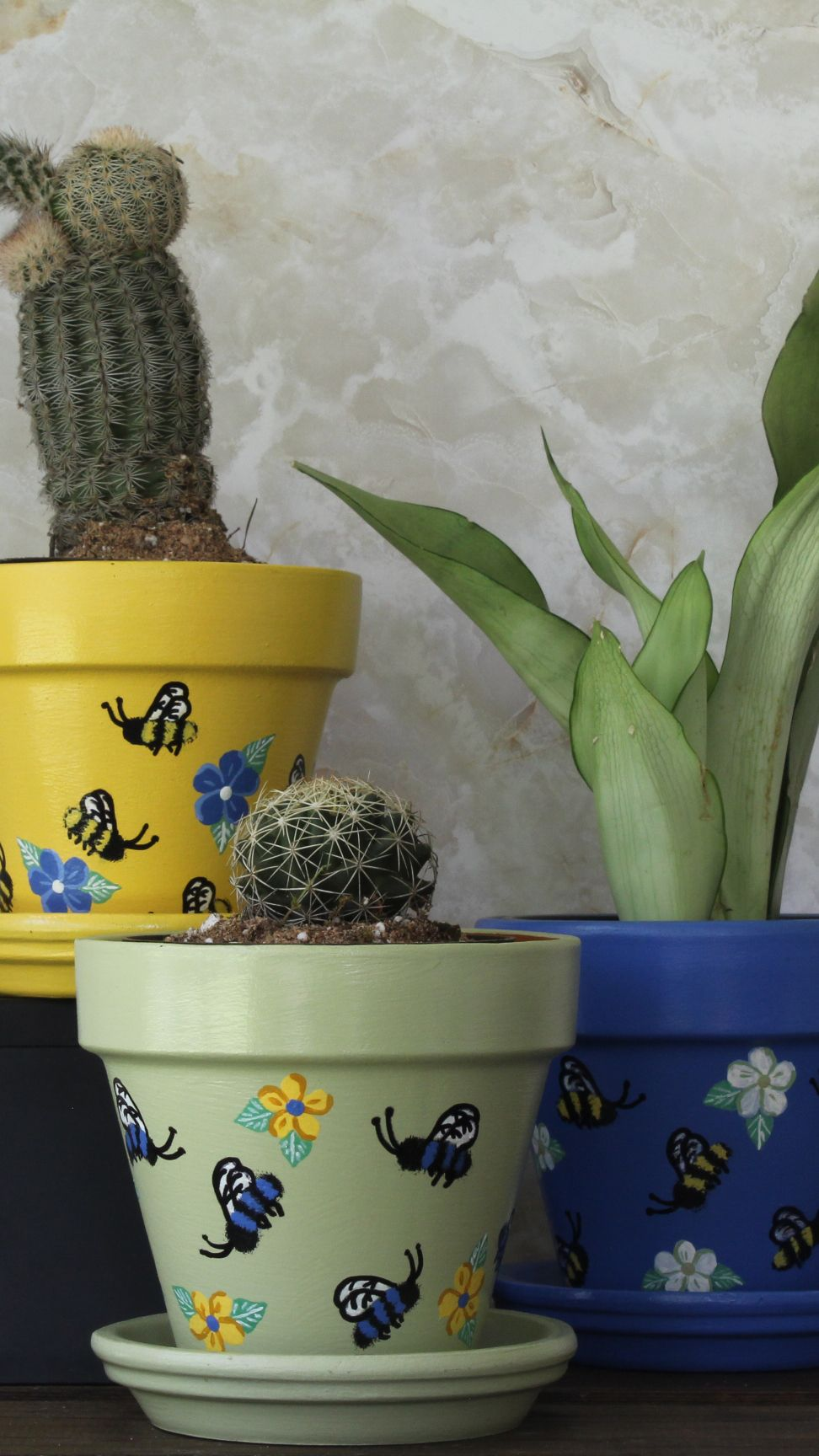 Spring Bee Buzz Classic Blue Flower Pot Small 4 Inch Hand Etsy In 2020 Painted Flower Pots Small Flower Pots Flower Pots