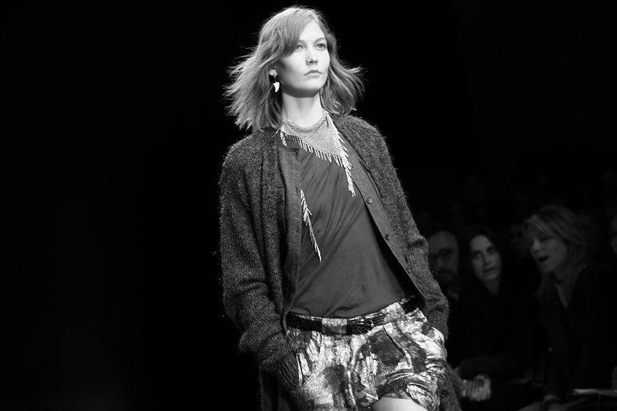 Karlie Kloss au défilé Isabel Marant automne-hiver 2014-2015 http://www.vogue.fr/mode/inspirations/diaporama/fw2014-les-coulisses-de-la-fashion-week-de-paris-automne-hiver-2014-2015-jour-4/17792/image/973615#!karlie-kloss-au-defile-isabel-marant-automne-hiver-2014-2015