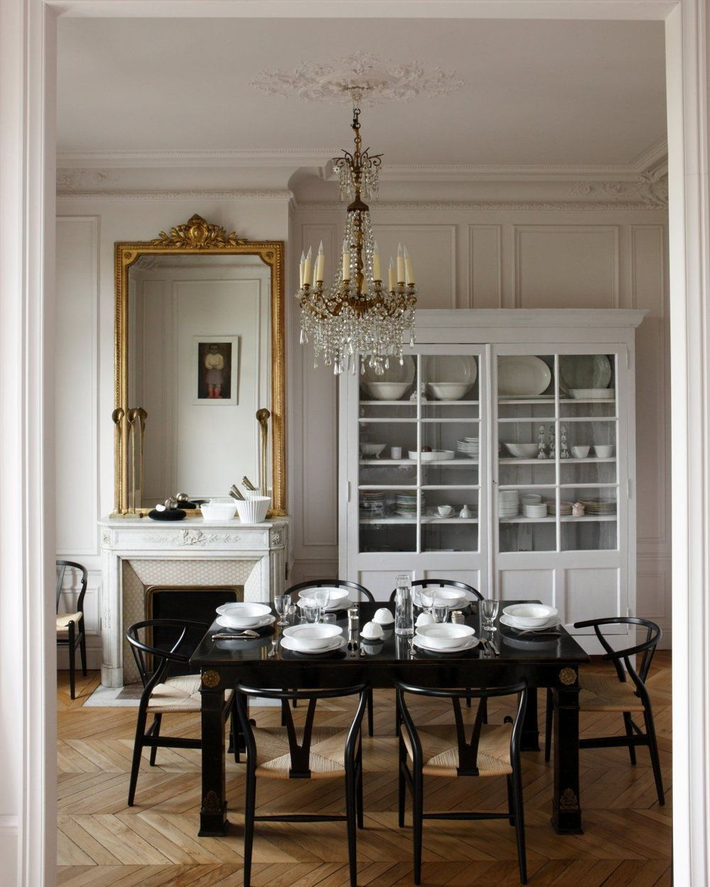 Photo of 31 Beautiful Parisian Dining Rooms