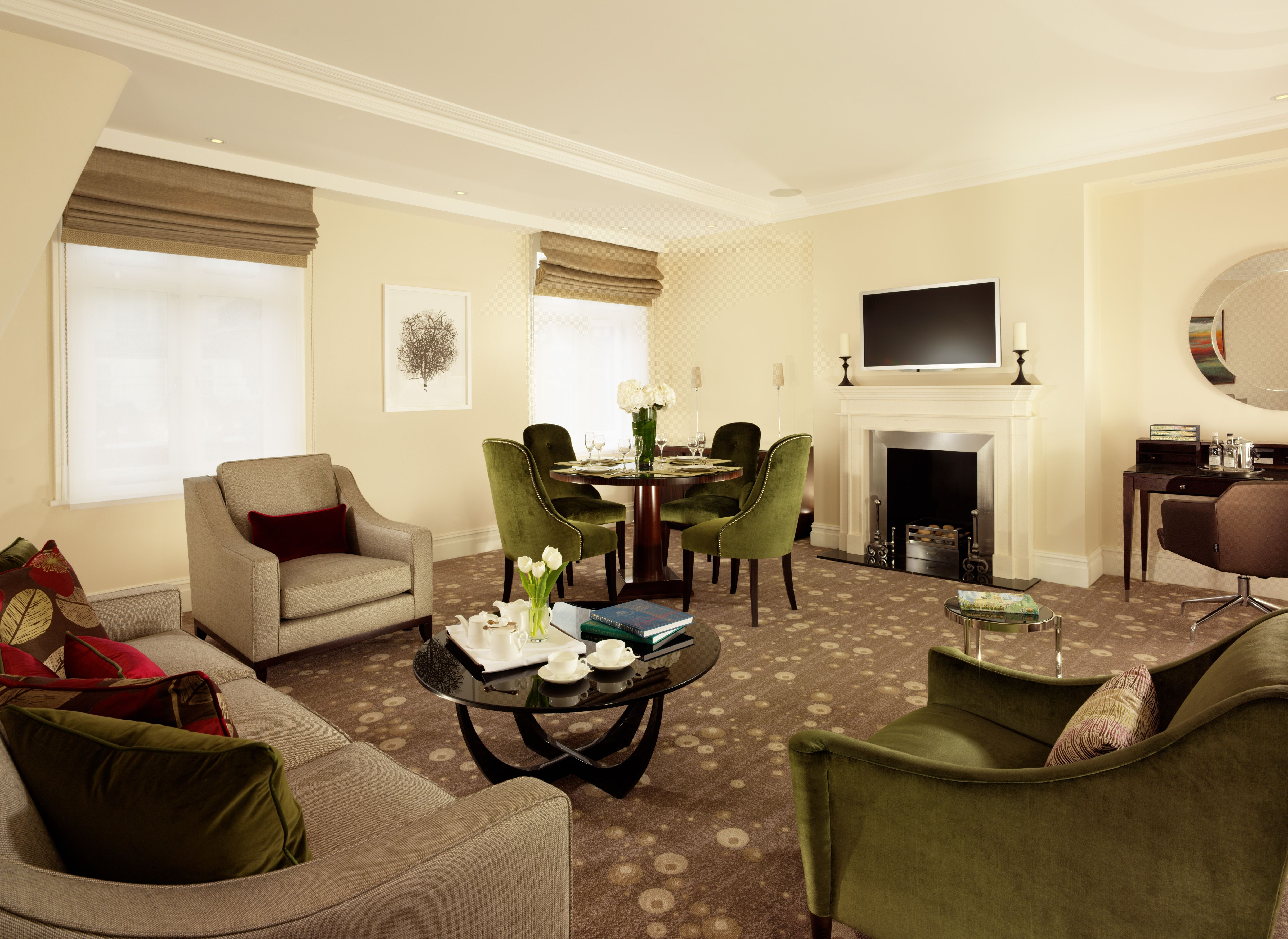 Minsters Deluxe Two Bedroom Suite Living Room Two Bedroom Suites London Apartment Luxury Services