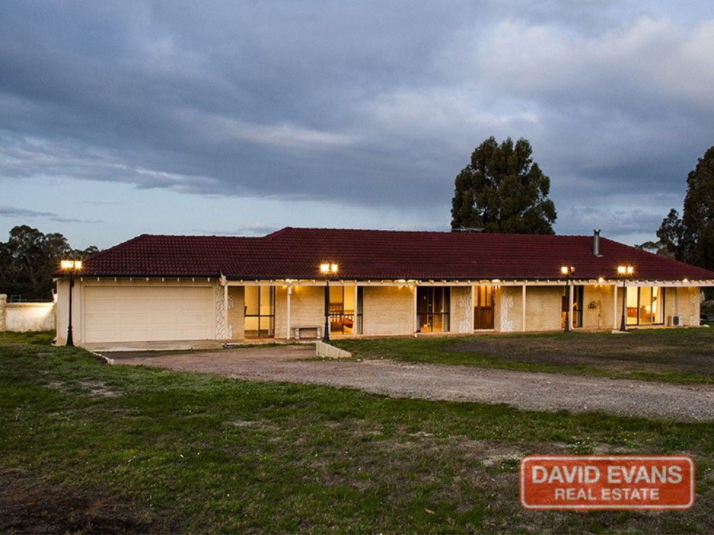 For Sale: Rural Splendour - Home Open Sunday 24th July 2.00pm to 3.00pm http://buff.ly/29Rfxwd This 3.21acres suits a family looking for that city lifestyle with a country feel or astute investor looking to hold sizable land so close to Joondalup and Perth City.  #WesternAustralia #ForSale #RealEstate #LuxuryRealEstate #HorseProperty #AcreageProperty #AcreageLife
