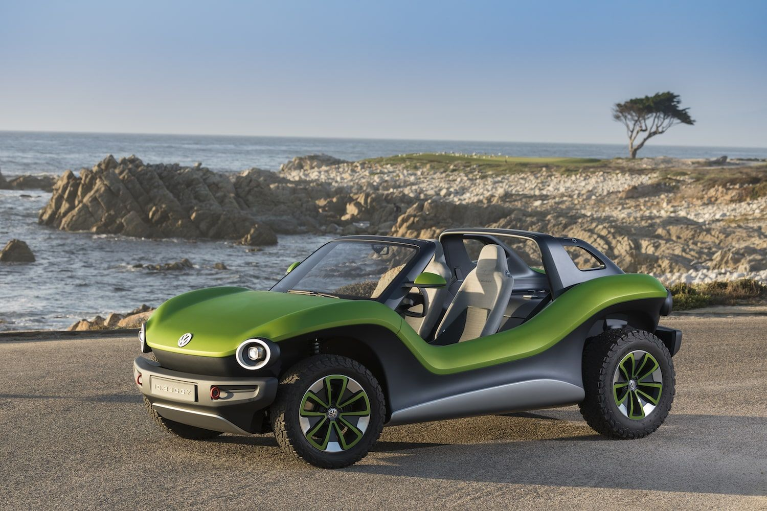 Vw Buggy Concept Is A Modern Take On Classic 60s Dune Buggies Carprousa Beach Buggy Volkswagen Pebble Beach Concours